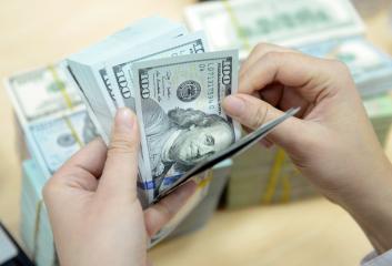 Tiền thuê văn phòng được định khoản như thế nào?