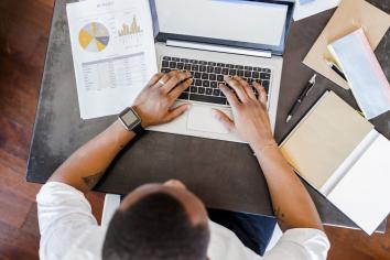 Thời điểm xuất hóa đơn cho thuê văn phòng doanh nghiệp cần phải biết gì?