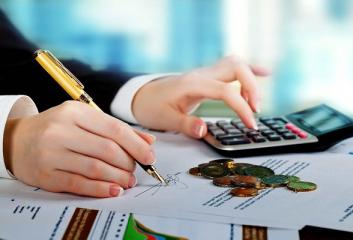 Định khoản tiền thuê văn phòng như thế nào?